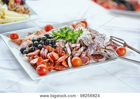 Many species of tasty sausages on a plate