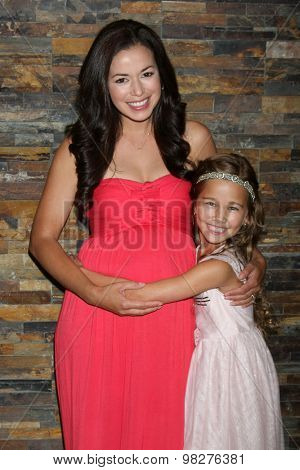 LOS ANGELES - AUG 8:  Teresa Castillo, Brooklyn Rae Silzer at the General Hospital Fan Club Luncheon Arrivals at the Embassy Suites Hotel on August 8, 2015 in Glendale, CA