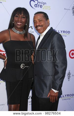 LOS ANGELES - AUG 8:  Kiki Shepard, Obba Babatunde at the 17th Annual HollyRod Designcare Gala at the The Lot on August 8, 2015 in West Hollywood, CA