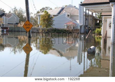 Inundação no rescaldo do furacão Katrina em Nova Orleans