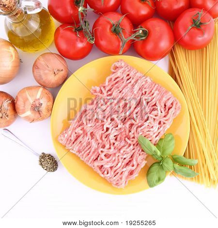 Ingredients for spaghetti bolognese