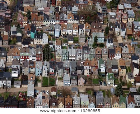Aerial photo of rust belt row homes in a large midwest US city,