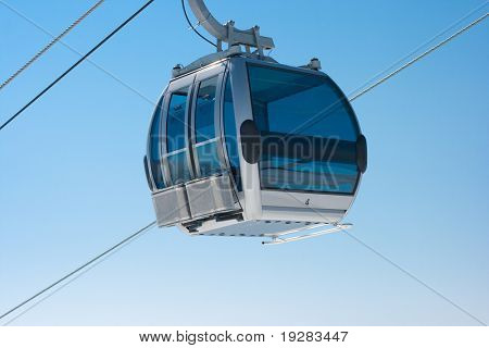 Ski lift cable booth
