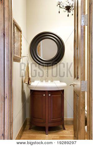 Small Elegant Bathroom