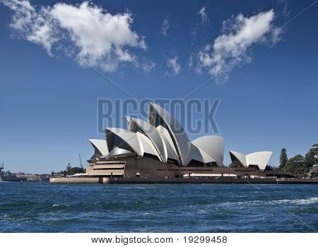 la ópera de sydney desde el puerto