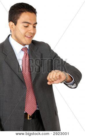 Hombre de negocios buscando tiempo