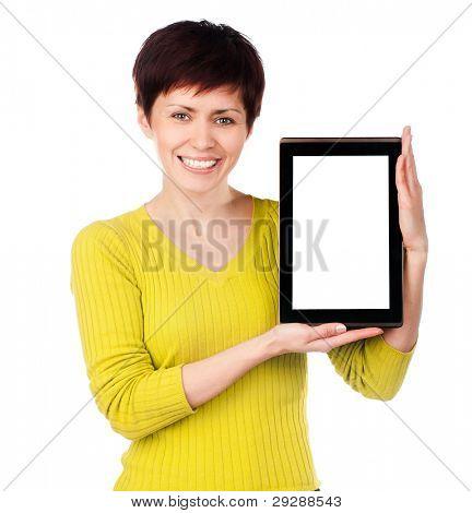 Mädchen mit Tablet auf weißem Hintergrund