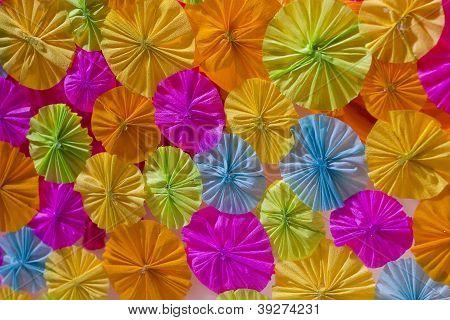 Papier-Regenschirm.
