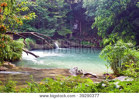 Chet Sao Noi Waterfall At Sixth Level