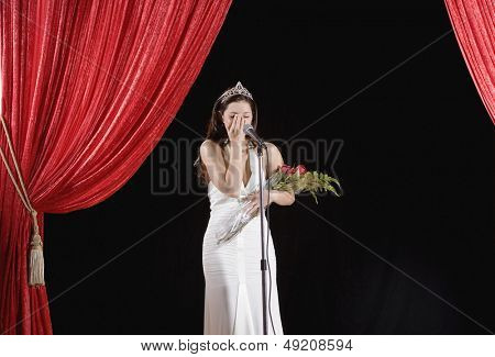 Beauty pageant winner crying on stage