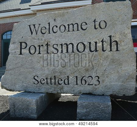 Welcome to  Portsmouth sign