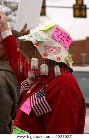 Tennessee 2009 Tea Party Women With Hat And Tea Bags