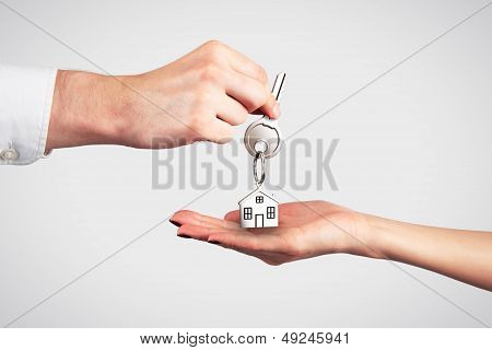 Passing House Keys With Trinket
