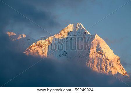 Mt.Kusum Kangkaru at sunset