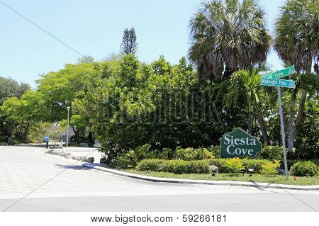 Siesta Cove Sign