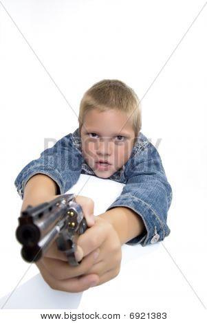 Junge mit gun