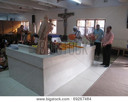 KOLKATA, INDIA - JAN 27, 2009: Tomb of Blessed Teresa of Calcutta, commonly known as Mother Teresa (26 August 1910�5 September 1997), was Catholic missionary who lived for most of her life in India