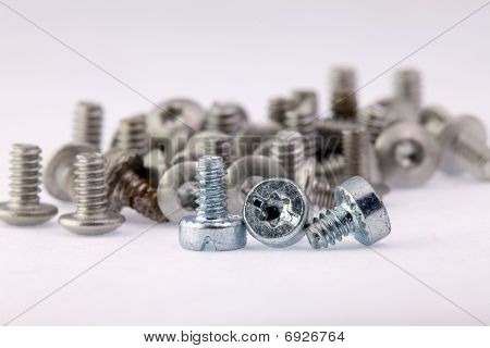 Old and new screws, New employees and old employees, mean work together, both of them are very impor