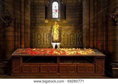 MONACO-VILLE, MONACO - JULY 27, 2013: Statue of Virgin Mary and baby Jesus in Saint Nicholas Cathedral - consecrated in 1875, located on site of the church built in 1252 and dedicated to St. Nicholas.