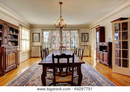 Large Dining Room In Luxury House
