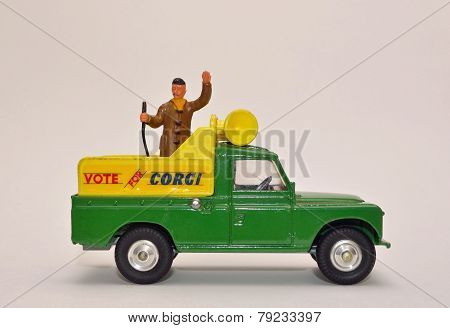 Toy Vote for Landrover with public address system
