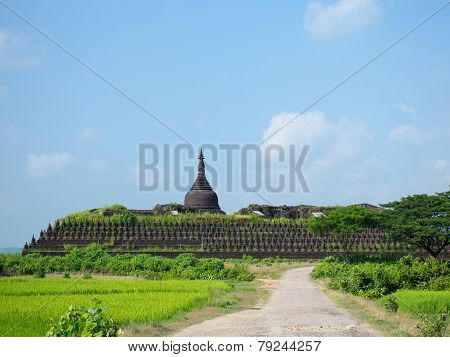 The Koe-thaung Temple In Mrauk U, Myanmar