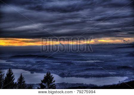 Sunset Over Horizon, Varese