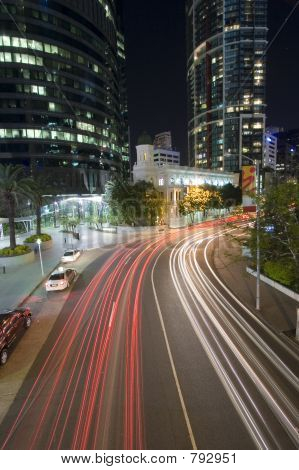 brisbane city traffic by night