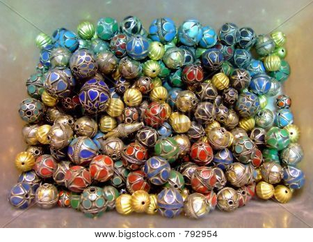 Round pendants in a box