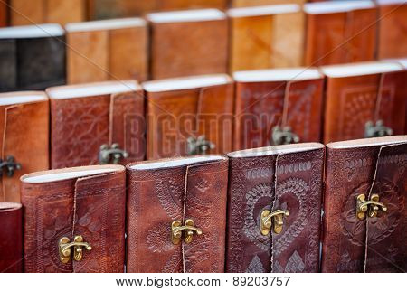 Leather-bound Souvenir Notebooks For Sale In Udaipur, India
