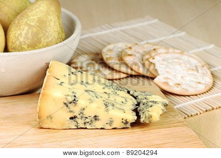 Blue Cheese With Pears And Crackers
