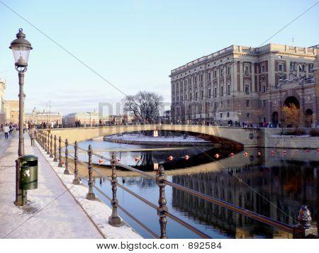Bridge Reflexions