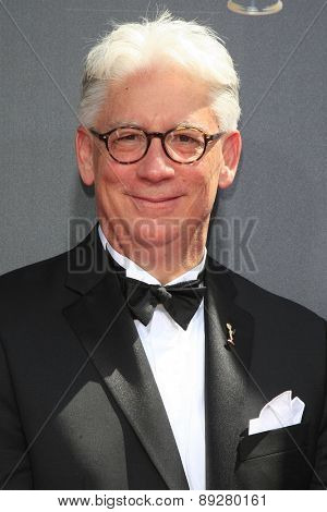 BURBANK - APR 26: Bob Mauro at the 42nd Daytime Emmy Awards Gala at Warner Bros. Studio on April 26, 2015 in Burbank, California