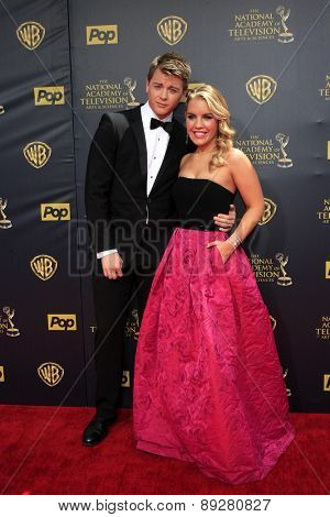 BURBANK - APR 26: Chad Duell, Kristen Alderson at the 42nd Daytime Emmy Awards Gala at Warner Bros. Studio on April 26, 2015 in Burbank, California