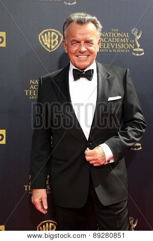 BURBANK - APR 26: Ray Wise at the 42nd Daytime Emmy Awards Gala at Warner Bros. Studio on April 26, 2015 in Burbank, California