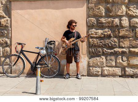 Florence. Street musician.