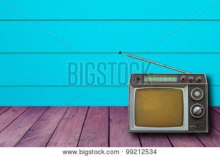 Tv And Radio Old Retro Small.