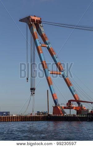 Swimming construction crane