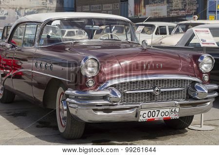 Retro car Buick Century
