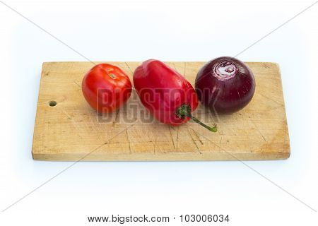 Some vegetables on cutting board