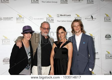 LOS ANGELES - SEP 26:  Diane Warren, Robert Englund, Mena Suvari, Lucas Till at the Catalina Film Festival Saturday Gala at the Avalon Theater on September 26, 2015 in Avalon, CA