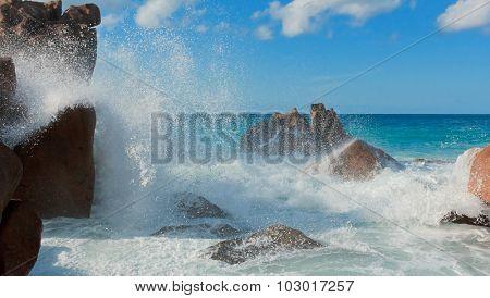Violent Surf Magnificent Seychelles