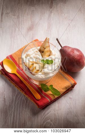 grilled pears with cream
