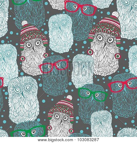 Seamless pattern with hand drawn owls in vintage hats and eyeglasses.