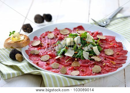 Carpaccio with truffles