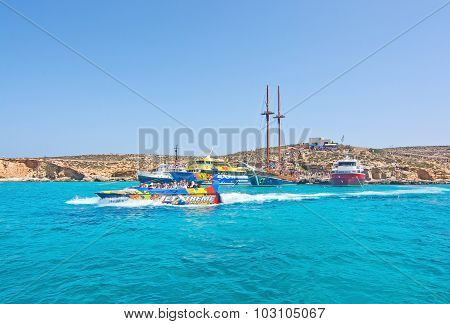 Tour Boats Blue Lagoon