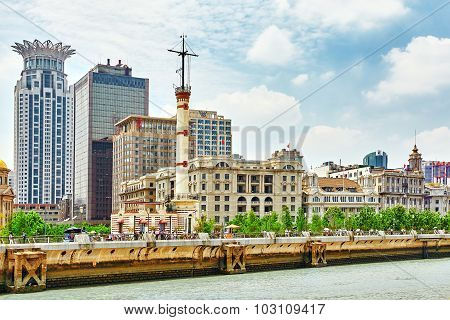 Shanghai, China - May 25,2015:beautiful View Of Shanghai -  Bund Or Waitan Waterfront. Shanghai Wate