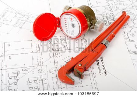 Water meter with wrench on draft