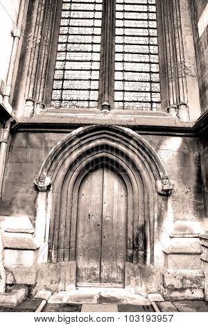 Weinstmister  Abbey In London Old Church Door And Marble Antique  Wall