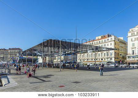 People Visit Norman Fosters Pavillion In Marseille